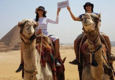 Giza-Pyramids-Camel-ride-440x330